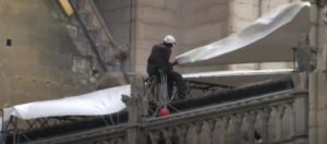 The structure of Notre-Dame, safe from rain thanks to a special canvas on its structure